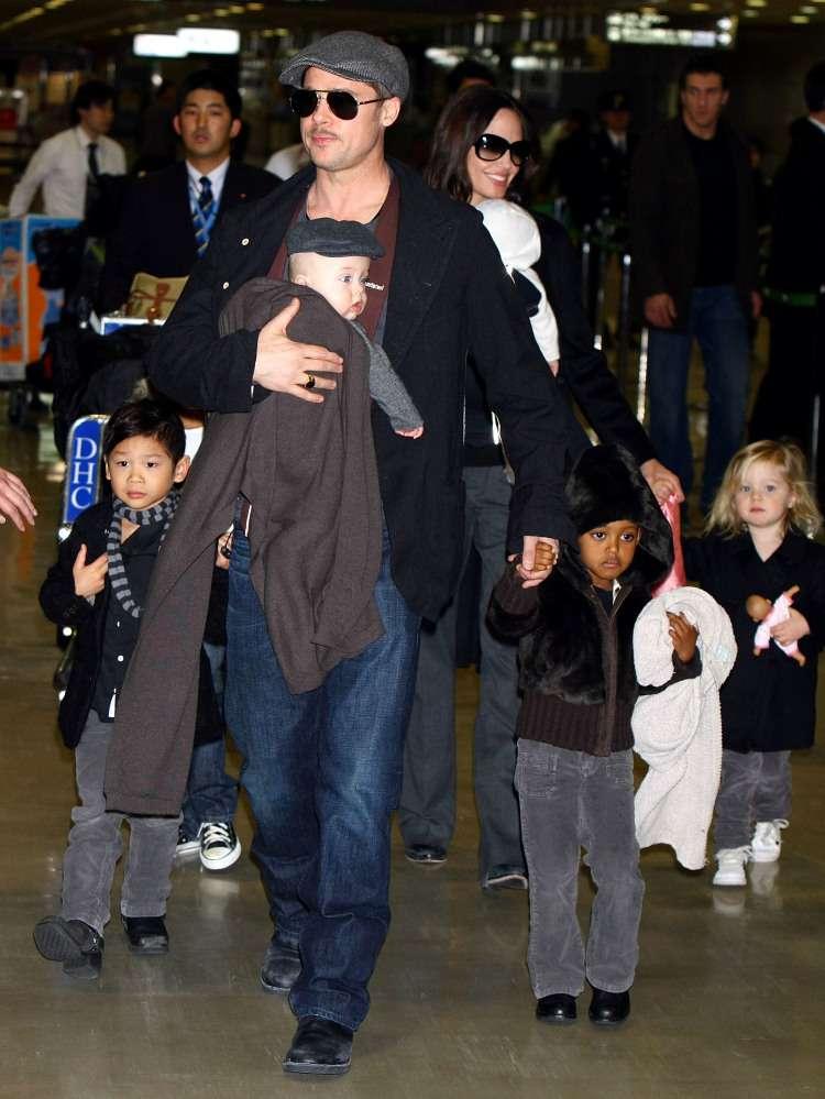 Двойняшкам Джоли-Питт исполнилось 11: как живут младшенькие в звездной семьеДвойняшкам Джоли-Питт исполнилось 11: как живут младшенькие в звездной семьеДвойняшкам Джоли-Питт исполнилось 11: как живут младшенькие в звездной семьеДвойняшкам Джоли-Питт исполнилось 11: как живут младшенькие в звездной семьеДвойняшкам Джоли-Питт исполнилось 11: как живут младшенькие в звездной семье