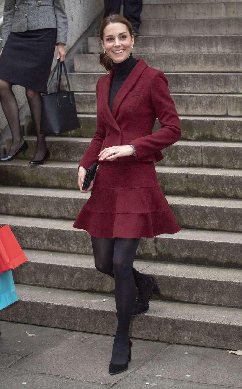 Meghan Markle marca la tendencia en la realeza: parece que Kate intenta imitar su estilo relajadoMeghan Markle marca la tendencia en la realeza: parece que Kate intenta imitar su estilo relajadoMeghan Markle marca la tendencia en la realeza: parece que Kate intenta imitar su estilo relajadoMeghan Markle marca la tendencia en la realeza: parece que Kate intenta imitar su estilo relajadoMeghan Markle marca la tendencia en la realeza: parece que Kate intenta imitar su estilo relajado