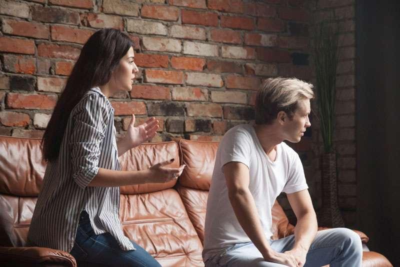 Sobre o que os homens não falam: 8 temas tabus que as mulheres não deveriam trazer à tona