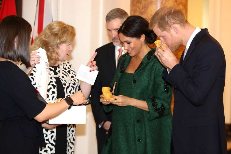 Meghan Markle And Prince Harry Received The Most Adorable Gift For Their Baby During Canada House VisitMeghan Markle And Prince Harry Received The Most Adorable Gift For Their Baby During Canada House VisitMeghan Markle And Prince Harry Received The Most Adorable Gift For Their Baby During Canada House VisitMeghan Markle And Prince Harry Received The Most Adorable Gift For Their Baby During Canada House Visit