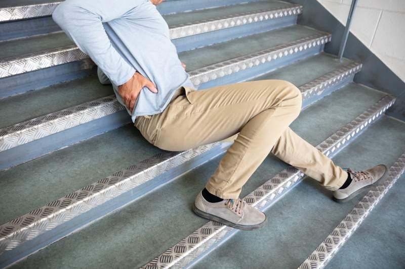 Laurent Ruquier est hospitalisé suite à une mauvaise chute dans les escaliers mais prend le temps d'en rire dans Les Grosses TêtesLaurent Ruquier est hospitalisé suite à une mauvaise chute dans les escaliers mais prend le temps d'en rire dans Les Grosses TêtesLaurent Ruquier est hospitalisé suite à une mauvaise chute dans les escaliers mais prend le temps d'en rire dans Les Grosses TêtesLaurent Ruquier est hospitalisé suite à une mauvaise chute dans les escaliers mais prend le temps d'en rire dans Les Grosses Têtes