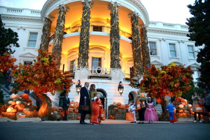 Donald And Melania Trump Both Look Radiant As They Welcome Trick-Or-Treaters To The White HouseDonald And Melania Trump Both Look Radiant As They Welcome Trick-Or-Treaters To The White HouseDonald And Melania Trump Both Look Radiant As They Welcome Trick-Or-Treaters To The White HouseDonald And Melania Trump Both Look Radiant As They Welcome Trick-Or-Treaters To The White House