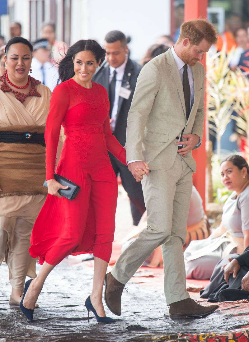 Lady In Red: Meghan Markle Looks Like A Hollywood Bombshell In A Striking 'Self-Portrait' Red Dress As She Lands In Tonga
