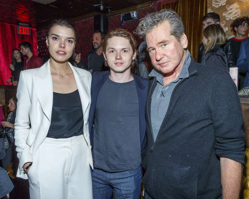 Genetics In Play! Val Kilmer's Son, Jack, Looks Exactly Like His Dad & Is The Next Heart-ThrobGenetics In Play! Val Kilmer's Son, Jack, Looks Exactly Like His Dad & Is The Next Heart-Throb