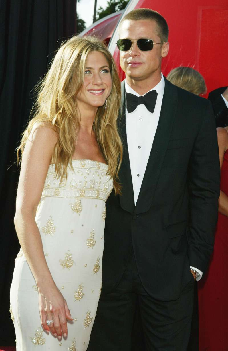 """Oh My God!"": Brad Pitt Suspiciously Dodged Question About Him Getting Back Together With Jennifer Aniston""Oh My God!"": Brad Pitt Suspiciously Dodged Question About Him Getting Back Together With Jennifer Aniston"