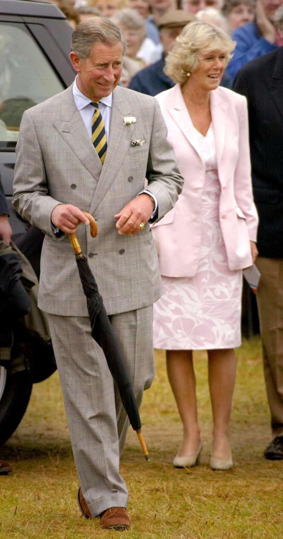 Un hombre asegura ser el hijo del romance prohibido entre el príncipe Carlos y Camilla