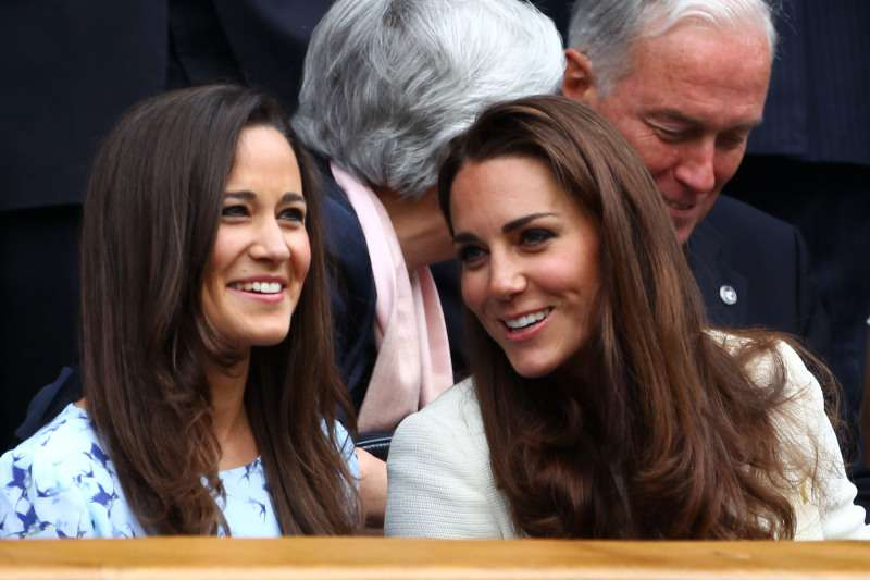 Royal Snub: The Queen Harshly Criticized Kate Middleton For Her 'Frivolous' And Lavish LifestyleRoyal Snub: The Queen Harshly Criticized Kate Middleton For Her 'Frivolous' And Lavish LifestyleRoyal Snub: The Queen Harshly Criticized Kate Middleton For Her 'Frivolous' And Lavish LifestylePippa Middleton in labor