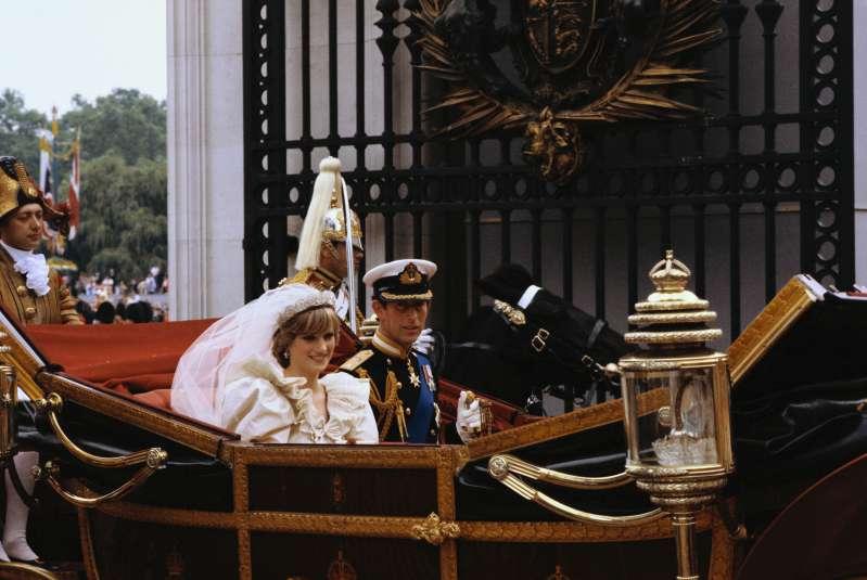 Недолговечное счастье: Диана и принц Чарльз были необычайно близки одно время и верили в то, что могли сохранить бракНедолговечное счастье: Диана и принц Чарльз были необычайно близки одно время и верили в то, что могли сохранить бракНедолговечное счастье: Диана и принц Чарльз были необычайно близки одно время и верили в то, что могли сохранить бракНедолговечное счастье: Диана и принц Чарльз были необычайно близки одно время и верили в то, что могли сохранить бракНедолговечное счастье: Диана и принц Чарльз были необычайно близки одно время и верили в то, что могли сохранить бракНедолговечное счастье: Диана и принц Чарльз были необычайно близки одно время и верили в то, что могли сохранить бракНедолговечное счастье: Диана и принц Чарльз были необычайно близки одно время и верили в то, что могли сохранить бракНедолговечное счастье: Диана и принц Чарльз были необычайно близки одно время и верили в то, что могли сохранить бракНедолговечное счастье: Диана и принц Чарльз были необычайно близки одно время и верили в то, что могли сохранить брак