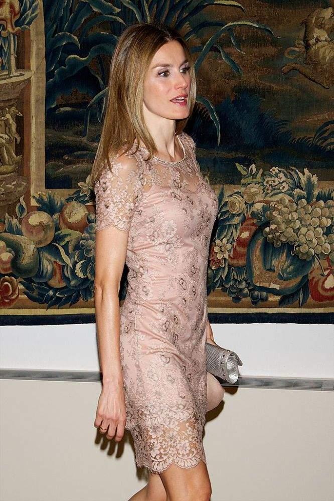 La reine des robes courtes : Letizia nous a bien souvent éblouis en dévoilant ses jambes élancées