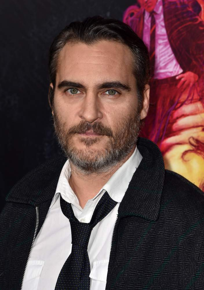 Why does joaquin phoenix have a scar on his lip