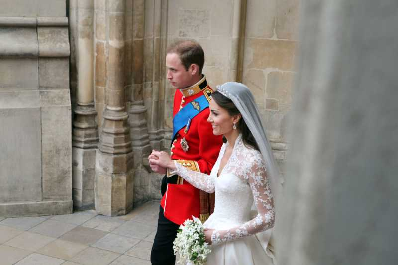H&M Announced A Release Of Kate Middleton's Wedding Dress Budget Replica