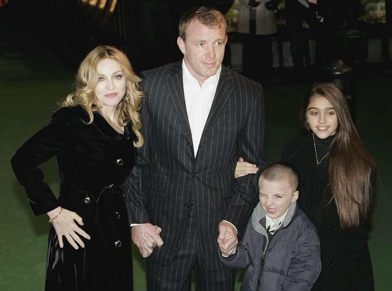 Леопардовое «великолепие»: дочь Мадонны в странном антиэстетичном мини продемонстрировала не самую идеальную фигуруЛеопардовое «великолепие»: дочь Мадонны в странном антиэстетичном мини продемонстрировала не самую идеальную фигуру