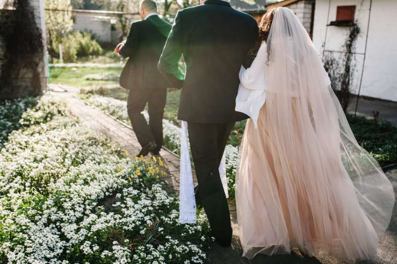 To Wed Or Not To Wed? 5 Absurd Reasons For Getting Married