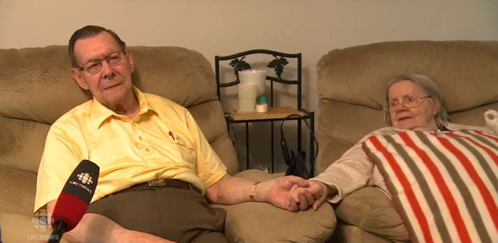 Depois de 71 anos juntos, idosos sofrem por sere forçados a se separarem, por conta de decisão de casa de saúde