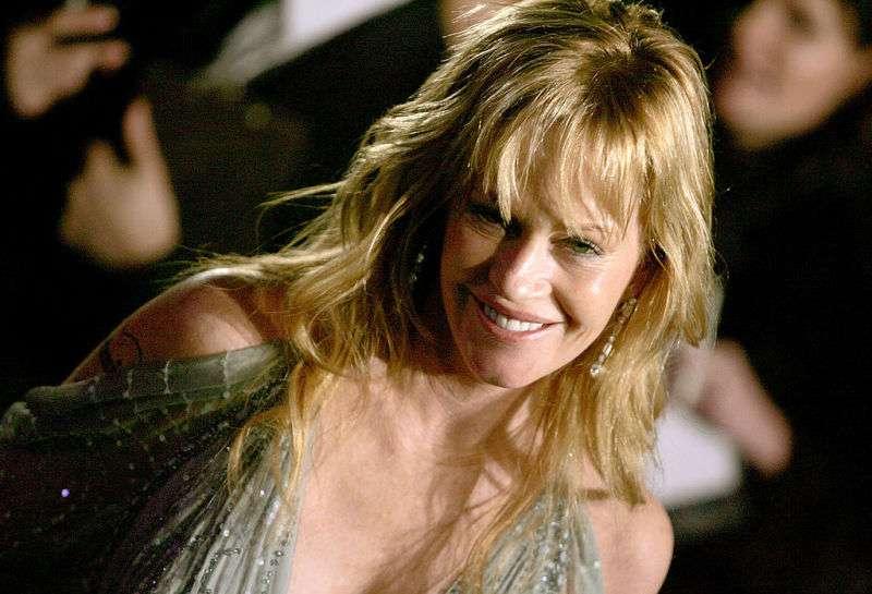 Die 61-jährige Melanie Griffith verwirrt die Fans wegen ihres provokativen und unverschämten Oscar-Outfits