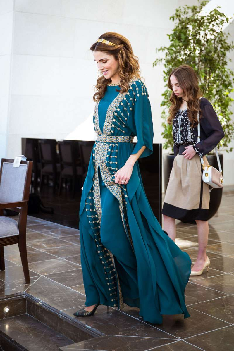 La reine Rania de Jordanie a dû justifier sa coûteuse garde-robe