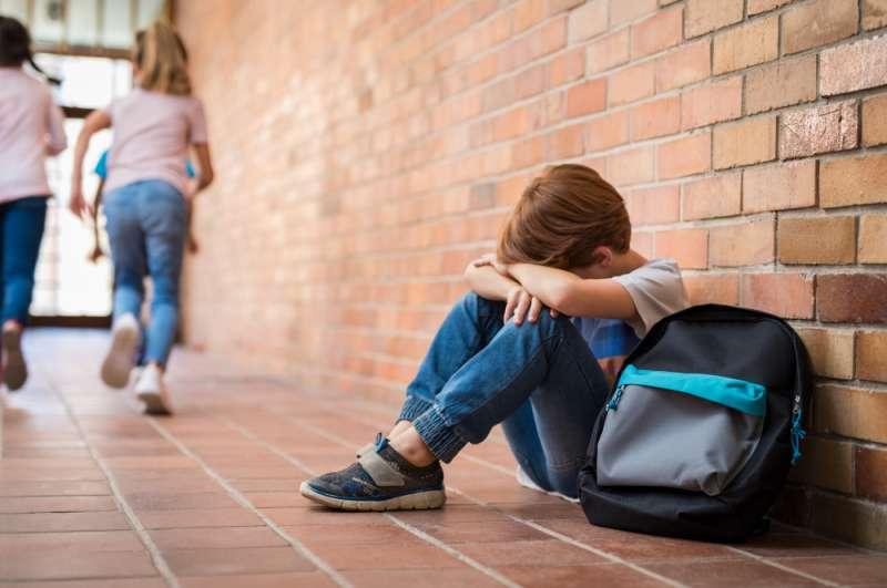 Terrible ! Une enseignante punit une fillette de 6 ans en posant du scotch sur sa bouche : elle en meurt