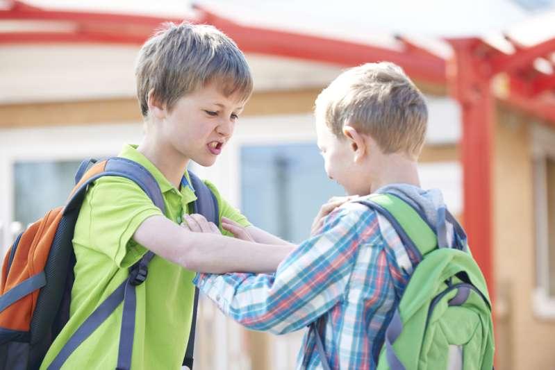 Harcèlement scolaire : les copains de ce garçon de 9 ans le poussent au suicide pour avoir révélé son homosexualitéHarcèlement scolaire : les copains de ce garçon de 9 ans le poussent au suicide pour avoir révélé son homosexualité