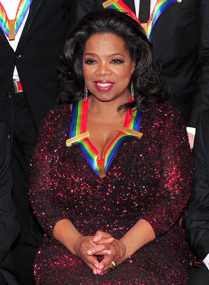 Oprah aurait presque refusé d'interviewer Sarah Ferguson qui refusait de porter un diadème pour l'émission, selon un livre