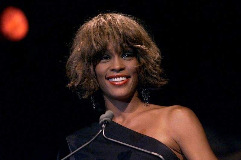 """""""It Was Painful, Emotionally And Physically:"""" Whitney Houston Tearfully Recalled Having A Miscarriage While Filming """"The Bodyguard"""""""