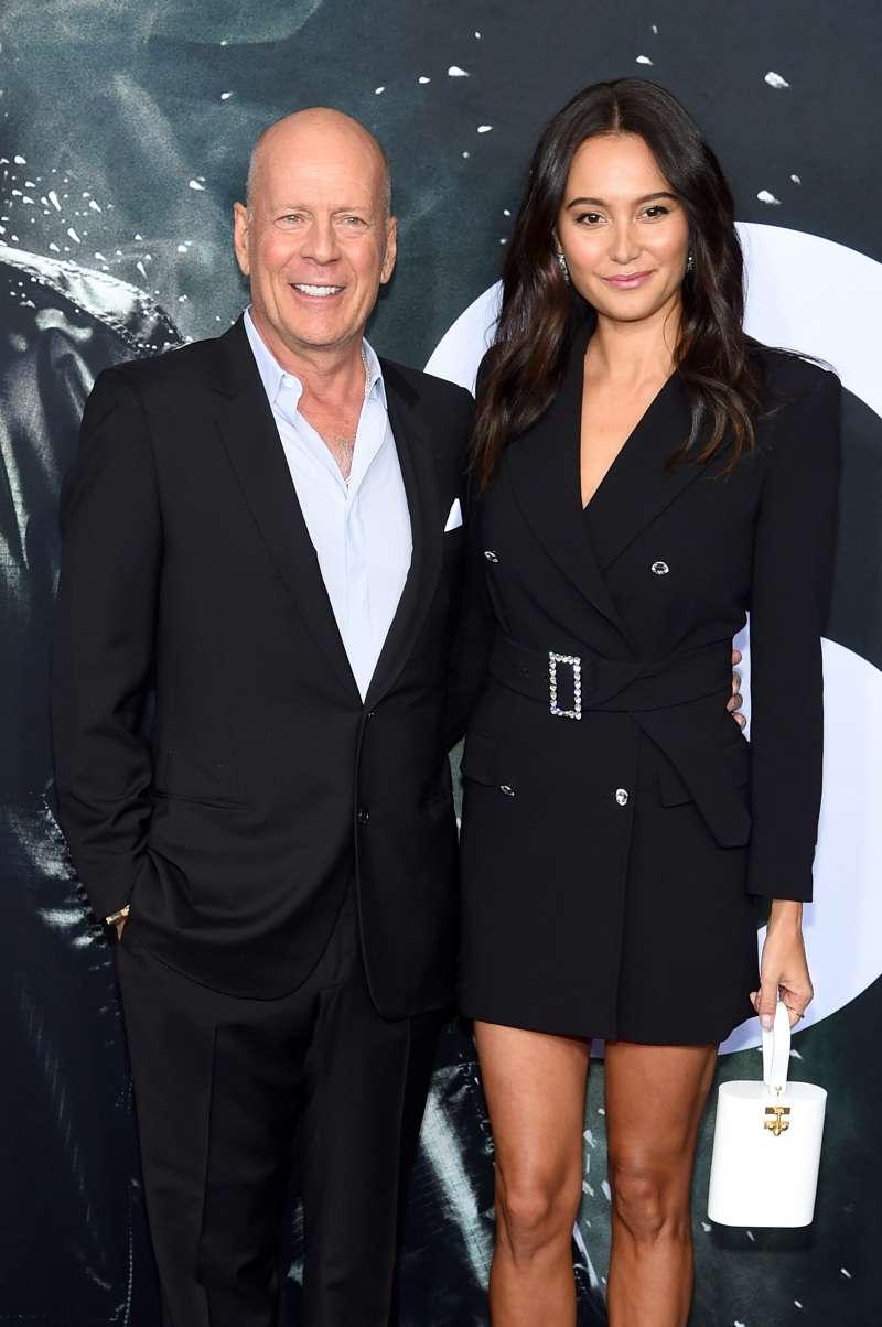 Der 64-jährige Action-Star Bruce Willis sah bei einem seltenen öffentlichen Auftritt mit seiner jungen Frau fabelhaft aus