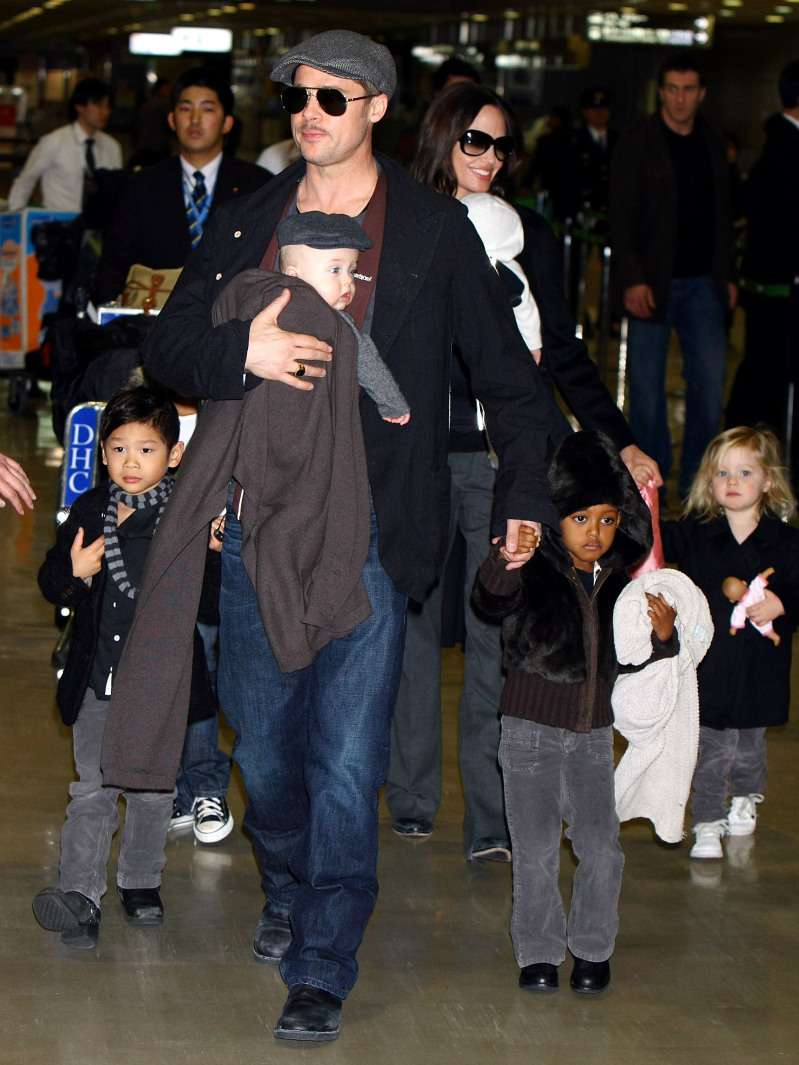 Brad Pitt And Angelina Jolie Might Divide Their Kids So They Can Stay With Their Favorite Parent, According To A LawyerBrad Pitt And Angelina Jolie Might Divide Their Kids So They Can Stay With Their Favorite Parent, According To A LawyerBrad Pitt And Angelina Jolie Might Divide Their Kids So They Can Stay With Their Favorite Parent, According To A LawyerBrad Pitt And Angelina Jolie Might Divide Their Kids So They Can Stay With Their Favorite Parent, According To A LawyerBrad Pitt And Angelina Jolie Might Divide Their Kids So They Can Stay With Their Favorite Parent, According To A Lawyer