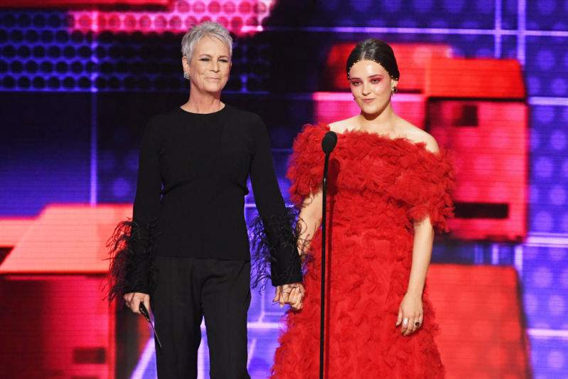 Enticing 61-Year-Old Jamie Lee Curtis Shows Off Her Figure Of A 20-Year-Old In A Sleek All-Black Ensemble At AMA 2019Enticing 61-Year-Old Jamie Lee Curtis Shows Off Her Figure Of A 20-Year-Old In A Sleek All-Black Ensemble At AMA 2019