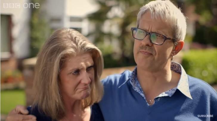 """Nachdem sie die Umgestaltung ihres Hauses gesehen hat, bricht die Frau in Tränen aus: """"Ich bereue es"""""""