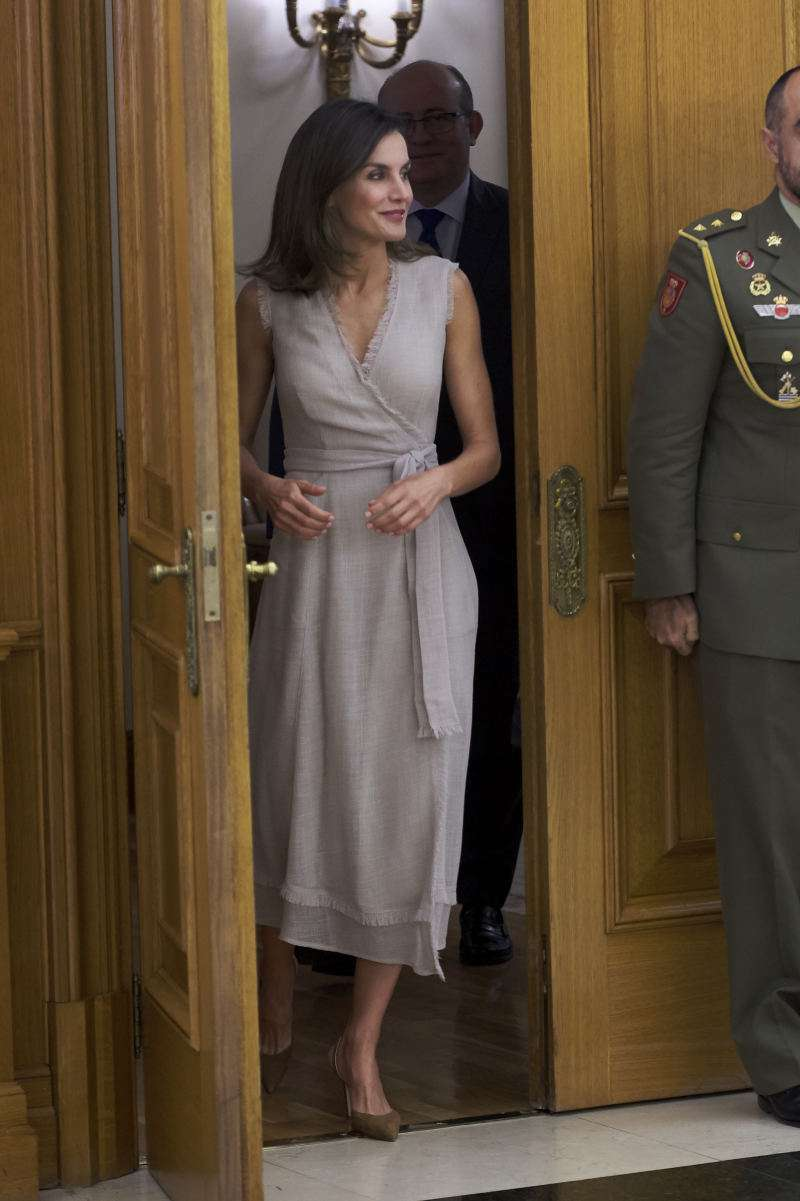 Queen Letizia's Fashion Choice Is Not The One To Follow, Experts SayQueen Letizia's Fashion Choice Is Not The One To Follow, Experts SayQueen Letizia's Fashion Choice Is Not The One To Follow, Experts SayQueen Letizia's Fashion Choice Is Not The One To Follow, Experts SayQueen Letizia's Fashion Choice Is Not The One To Follow, Experts SayQueen Letizia's Fashion Choice Is Not The One To Follow, Experts SayQueen Letizia's Fashion Choice Is Not The One To Follow, Experts Say
