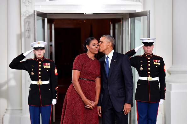 """Michelle Obama Can't Do Without Throwing Jabs At Barack As She Once Insulted His Book Publicly: """"Since My Book Was First, He Lost""""Michelle Obama Can't Do Without Throwing Jabs At Barack As She Once Insulted His Book Publicly: """"Since My Book Was First, He Lost""""-"""
