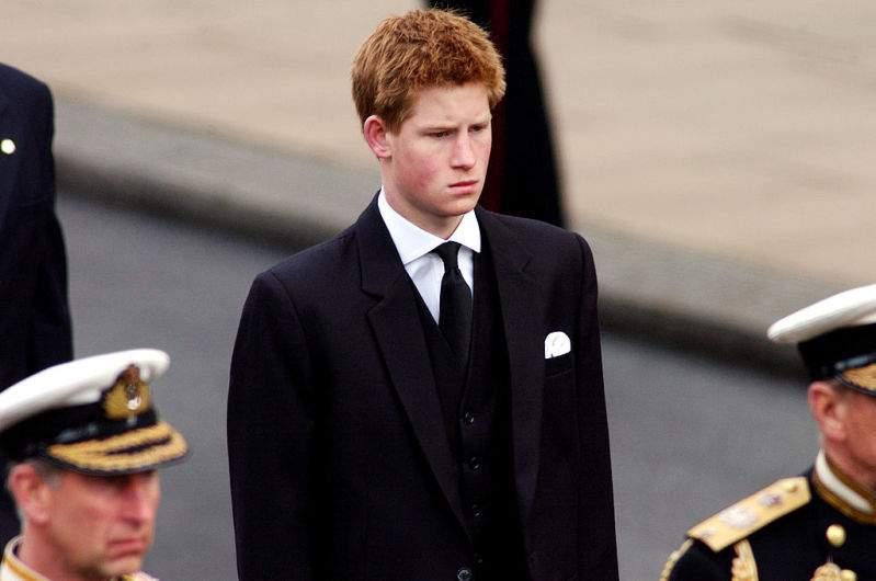 Elton John rechazó el trato que recibieron William y Harry durante el funeral de la princesa Diana