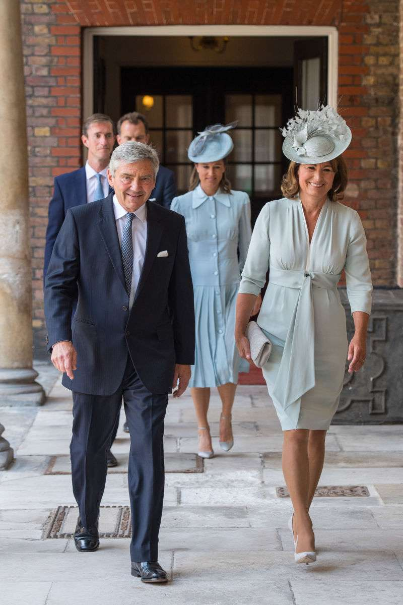 La madre che ha perso: il Principe William 'poggia la testa sul grembo di Carole Middleton' quando riposa sul divano, secondo un'esperta