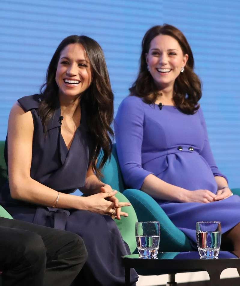 Herzoginnen im Krieg: Adelsexperte behauptet, Kate Middleton fühle sich von Meghan Markle bedroht