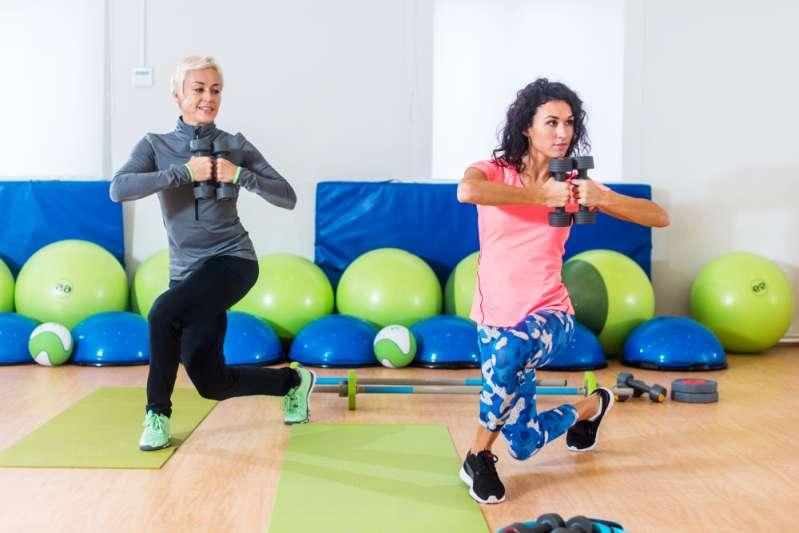 İç uyluk kasları egzersizi: İç uyluklar için hayal kırıklığınızın bacaklarına yol açmak için en iyi egzersizlerden beşi, kadınlar için egzersiz