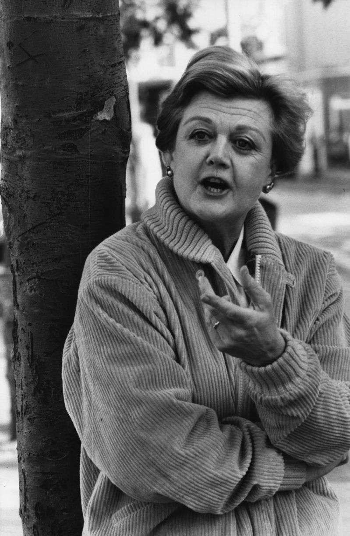 """She Was Fantastic!"" Angela Lansbury Fondly Recalls Her Lifelong Friendship With Katherine Hepburn""She Was Fantastic!"" Angela Lansbury Fondly Recalls Her Lifelong Friendship With Katherine Hepburn""She Was Fantastic!"" Angela Lansbury Fondly Recalls Her Lifelong Friendship With Katherine Hepburn"