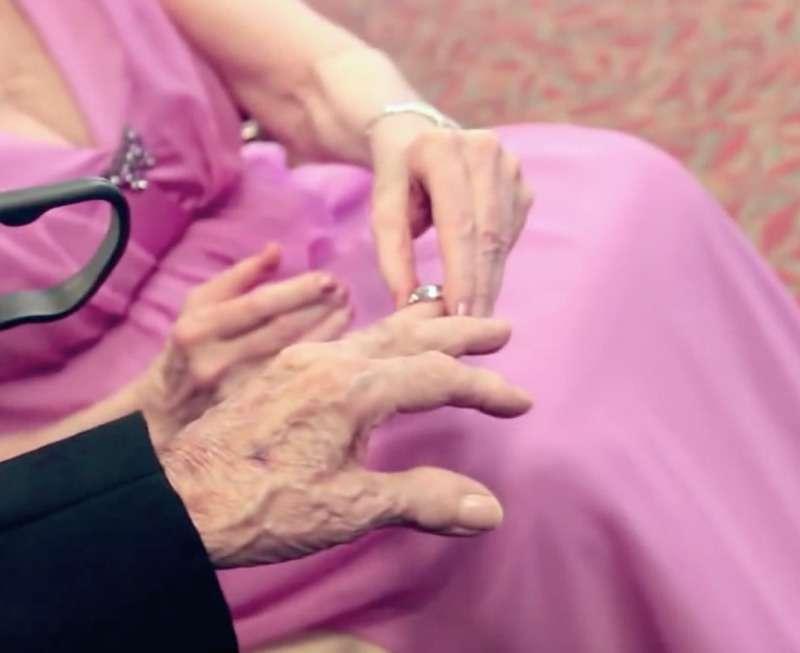 Unieron lazos con 89 y 91 años: ella no se quiso casar hasta no conocer a su amor verdadero