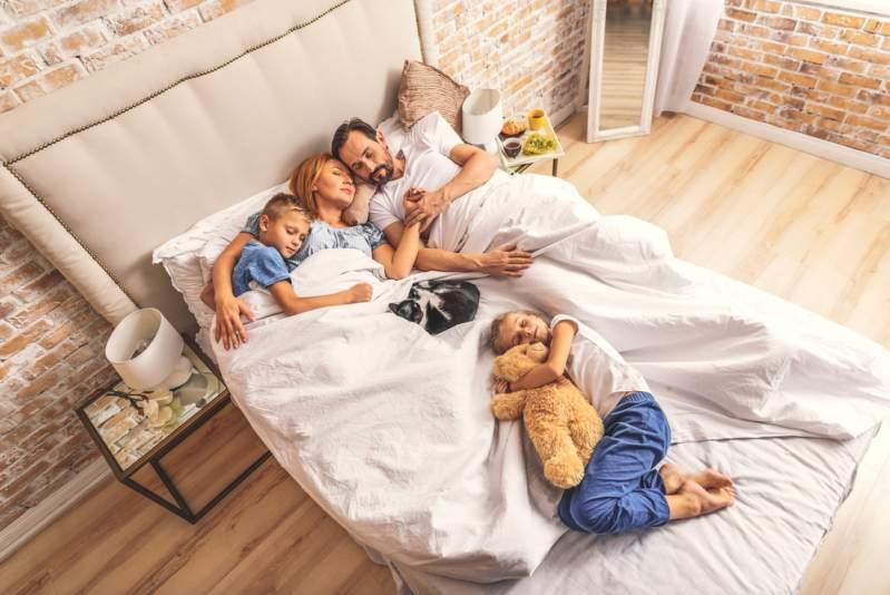 """""""Wir haben den gleichen leiblichen Vater"""": Ehepaar erfährt nach 8 Jahren, dass sie Halbgeschwister sind""""Wir haben den gleichen leiblichen Vater"""": Ehepaar erfährt nach 8 Jahren, dass sie Halbgeschwister sind"""