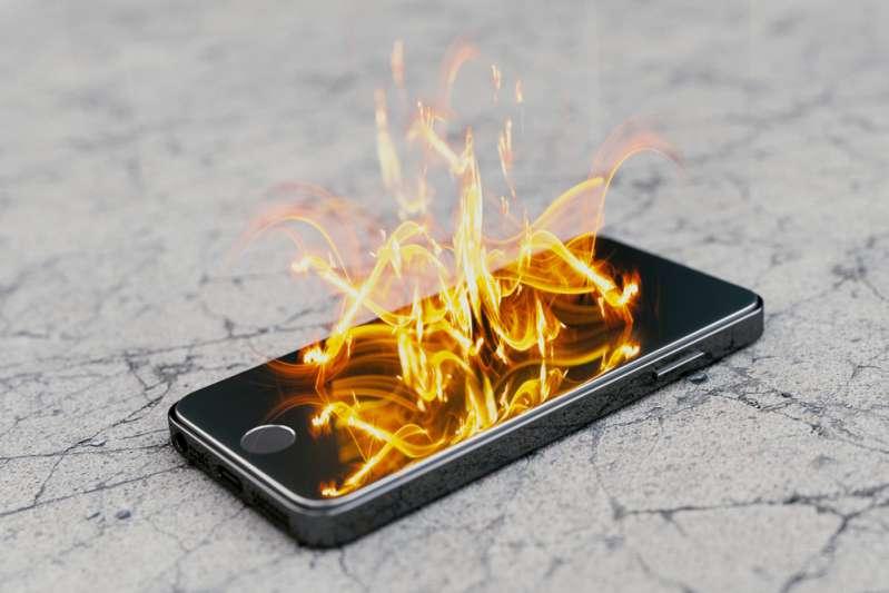 Une fille de 14 ans meurt électrocutée après avoir utilisé son smartphone dans le bain. Quelles mesures prendre ?madison coe