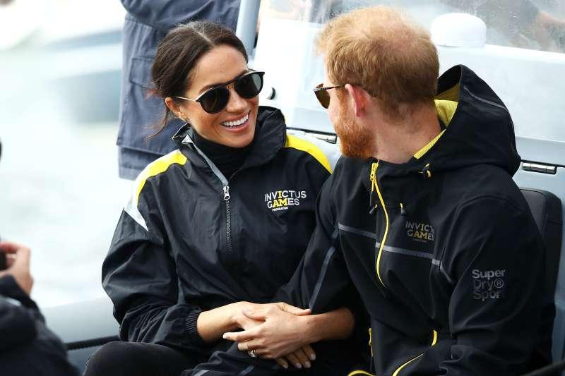 Oh non ! Un expert confirme que la calvitie du prince Harry s'étend, et Meghan pourrait en être la cause