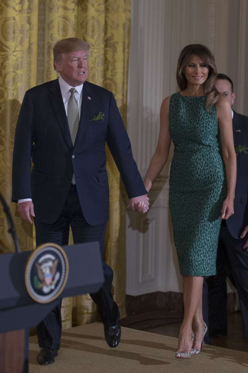 How Many First Ladies Can You See? Netizens Suspect That Melania Trump May Have A Double
