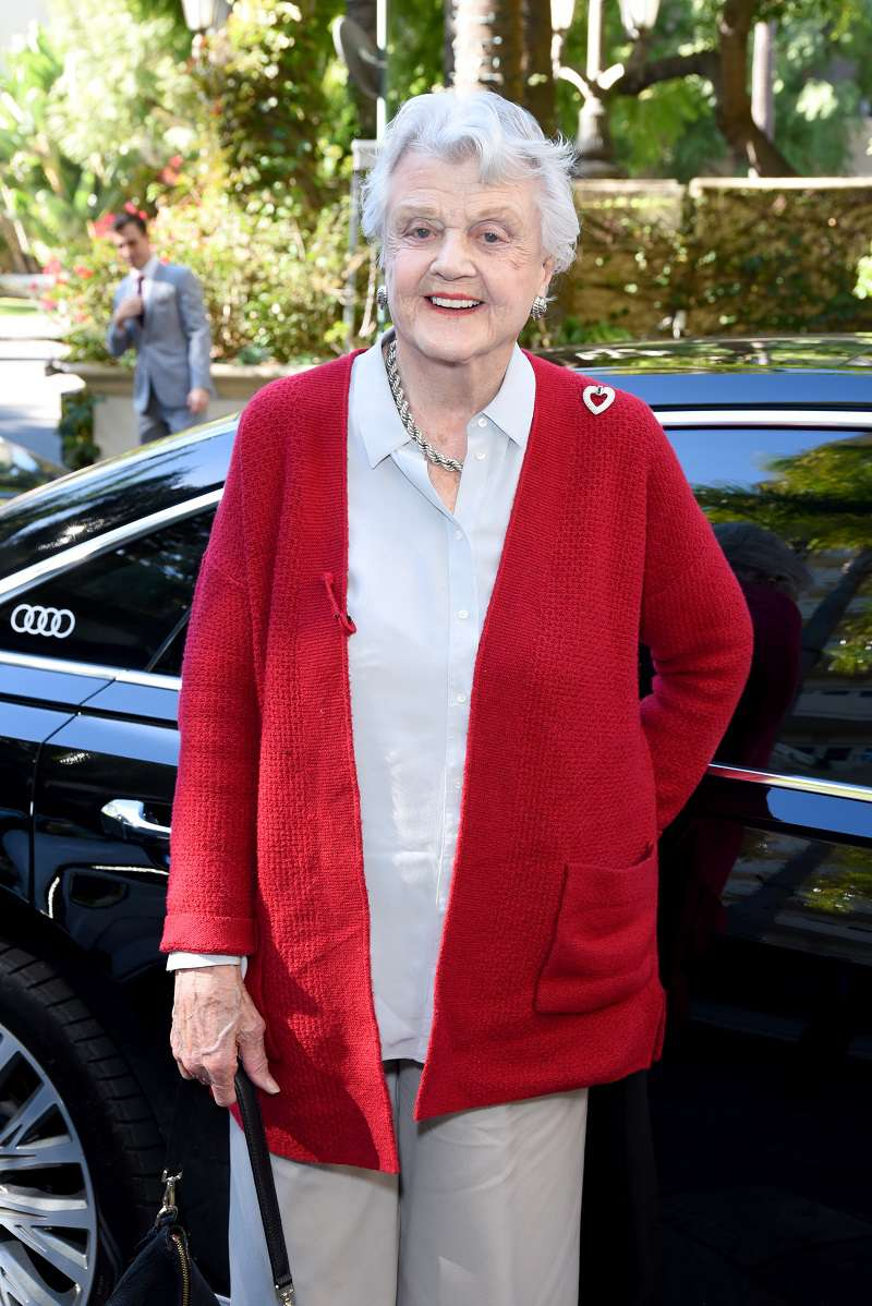 Angela Lansbury Is A Proud And Happy Grandma Of 3. Do Her Grandkids Look Anything Like Her?Angela Lansbury Is A Proud And Happy Grandma Of 3. Do Her Grandkids Look Anything Like Her?Angela Lansbury Is A Proud And Happy Grandma Of 3. Do Her Grandkids Look Anything Like Her?Angela Lansbury Is A Proud And Happy Grandma Of 3. Do Her Grandkids Look Anything Like Her?