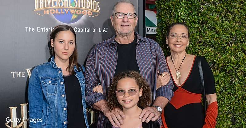 After An On Again Off Again Relationship Modern Family Star Ed O Neill Is Finally Happy With His Perfect Family Catherine rusoff news, gossip, photos of catherine rusoff, biography, catherine rusoff help us build our profile of catherine rusoff! after an on again off again