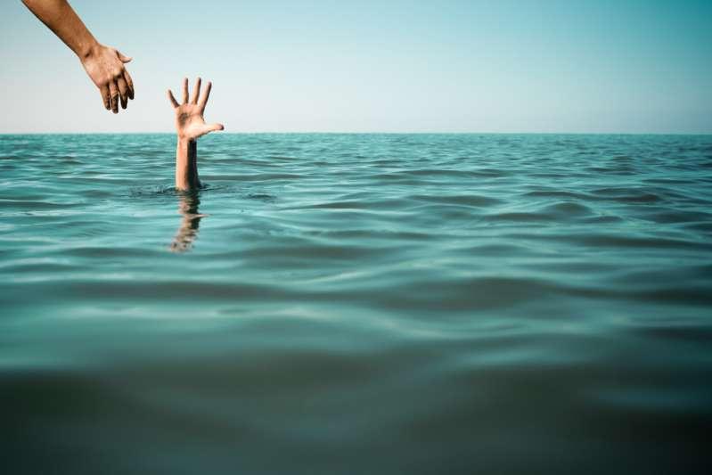 """""""Jamás nadé tan rápido"""" mujer en gestación de 33 semanas, salva a un niño que se ahogaba"""