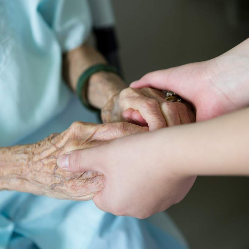 "Senior Woman Feels Insecure Having ""Ugly"" Hands But A Nurse Reassures Her Immediately: ""Your Hands Tell The Story Of Your Life""Senior Woman Feels Insecure Having ""Ugly"" Hands But A Nurse Reassures Her Immediately: ""Your Hands Tell The Story Of Your Life""Senior Woman Feels Insecure Having ""Ugly"" Hands But A Nurse Reassures Her Immediately: ""Your Hands Tell The Story Of Your Life""Senior Woman Feels Insecure Having ""Ugly"" Hands But A Nurse Reassures Her Immediately: ""Your Hands Tell The Story Of Your Life"""