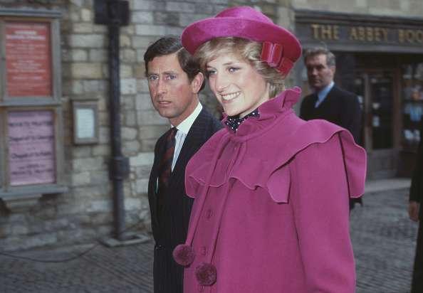Prinzessin Dianas Fans äußern ihre Empörung über Camillas Entscheidung, Lady Dis Smaragd-Brosche zu tragen
