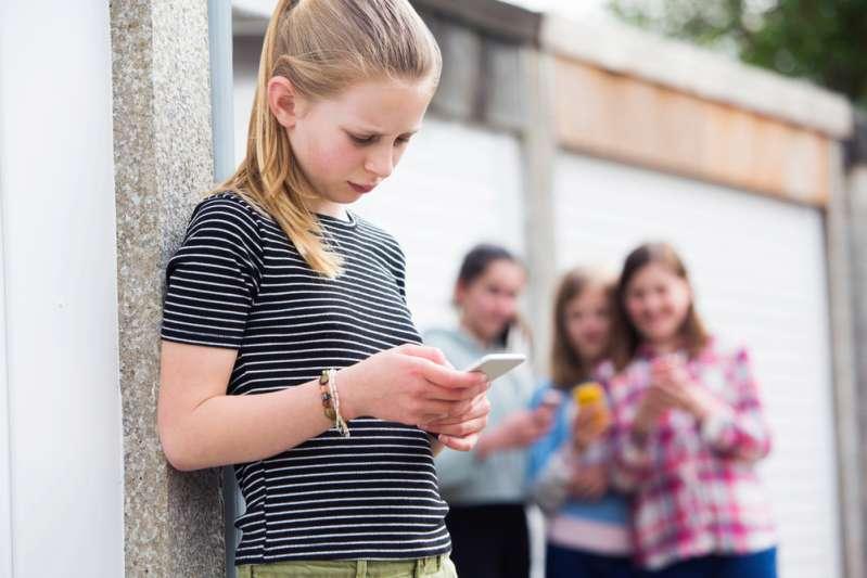 Травля в Интернете может довести до самоубийства. Что такое кибербуллинг и как защитить своего ребёнка