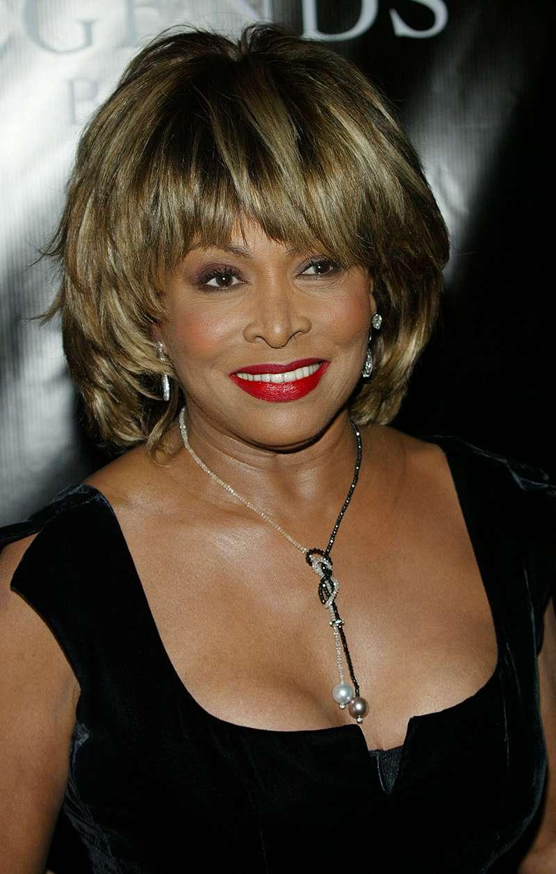 La leggenda musicale Tina Turner parla di come in 5 anni ha superato l'ictus, il cancro e la perdita di suo figlio