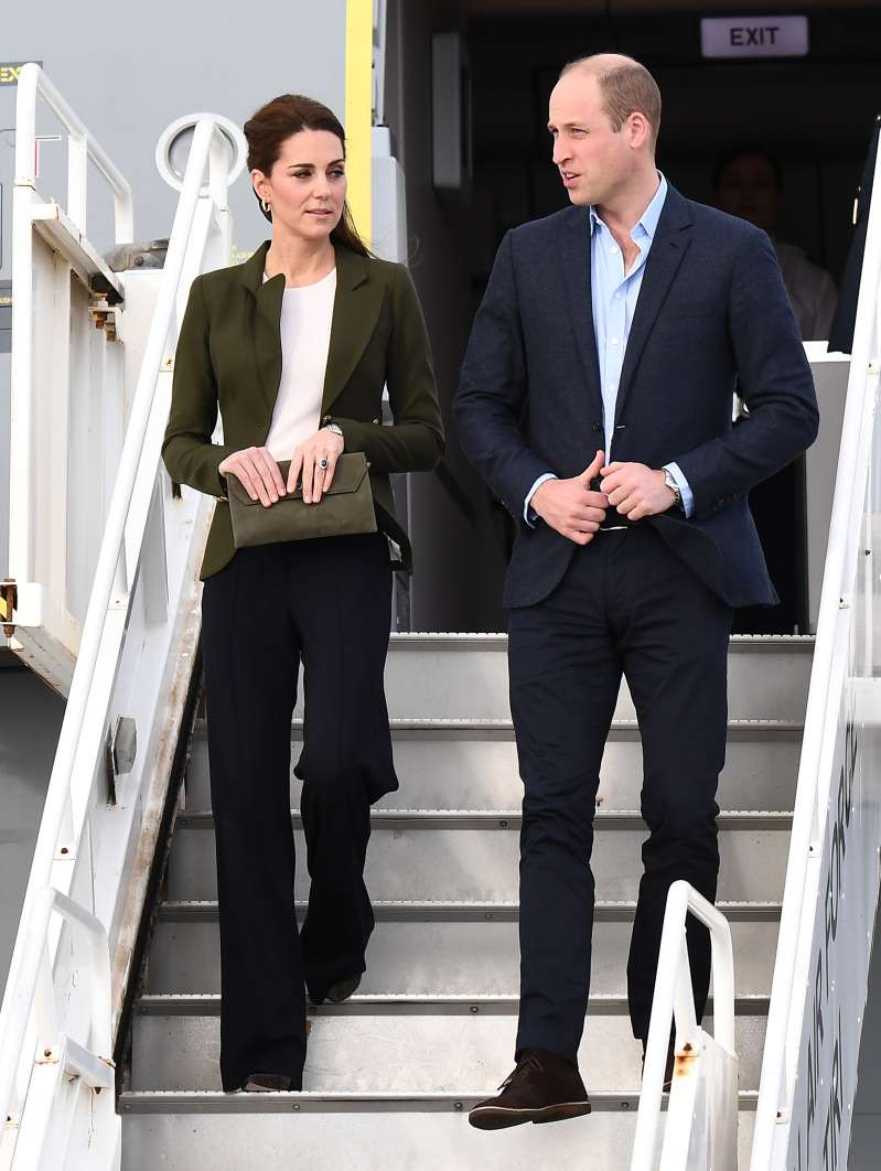 Kate Middleton Dons An Elegantly Strict Khaki Suit On The Arrival In CyprusKate Middleton Dons An Elegantly Strict Khaki Suit On The Arrival In CyprusKate Middleton Dons An Elegantly Strict Khaki Suit On The Arrival In CyprusKate Middleton Dons An Elegantly Strict Khaki Suit On The Arrival In Cyprus