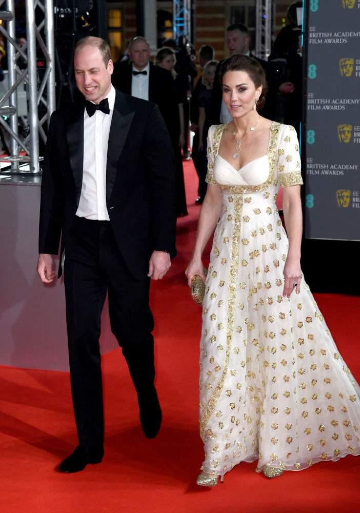 """""""¡La verdadera reina!"""": Kate Middleton roba miradas con atuendo de 18 mil dólares en los BAFTA""""¡La verdadera reina!"""": Kate Middleton roba miradas con atuendo de 18 mil dólares en los BAFTA""""¡La verdadera reina!"""": Kate Middleton roba miradas con atuendo de 18 mil dólares en los BAFTA""""¡La verdadera reina!"""": Kate Middleton roba miradas con atuendo de 18 mil dólares en los BAFTA""""¡La verdadera reina!"""": Kate Middleton roba miradas con atuendo de 18 mil dólares en los BAFTA"""