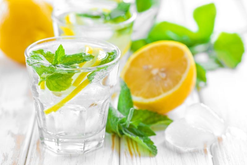 5 Produkttypen, die schlechten Atem verursachenlemon and turmeric